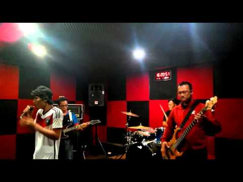 D'NiRo Band - Tribute to Godbless (Kehidupan)