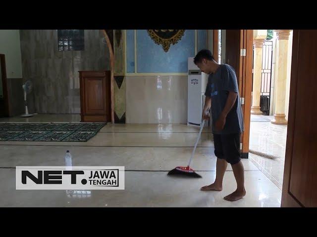 Tradisi Bersih-bersih Masjid Jelang Ramadan - NETJATENG