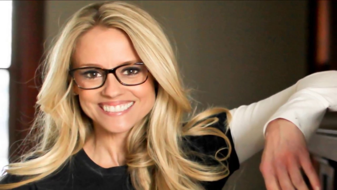 Nicole Curtis- I could...