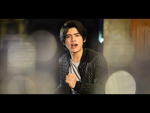 Aliando - Pergi Dari Hatiku [ Official Music Video ]