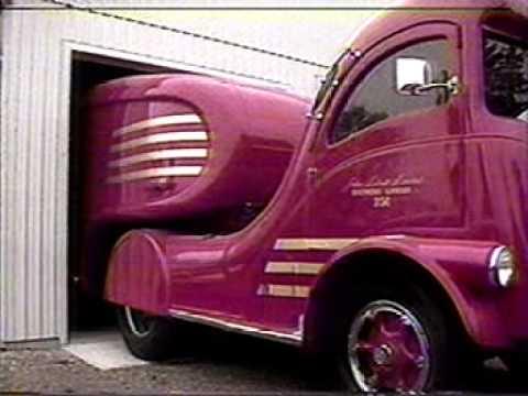 Classic Labatt Streamliner Truck Restoration - YouTube