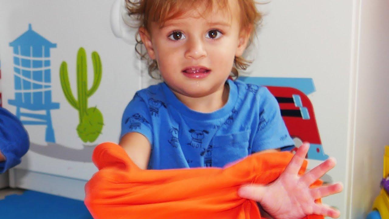 Dress Up Song   +More Nursery Rhymes & Kids Songs - LETSGOMARTIN