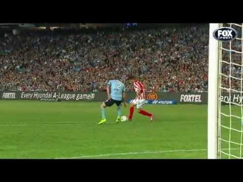David Villa debut goal in Australia