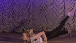 Классно танцует))Современная хореография в исполнении Пиксаевой Яны фитнес клуб Lemon,ухта