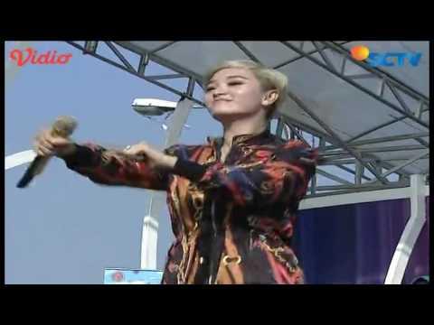 Zaskia Gotik (Bang Toyib Kawin Lagi) - Inbox Spesial Julaiha Princess Betawi