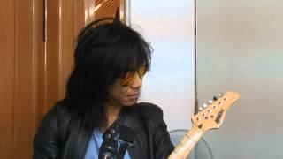 Abdee Slank membuat signature gitar sendiri