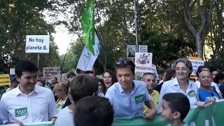 Iñigo Errejón se une a la manifestación de Madrid contra el cambio climático