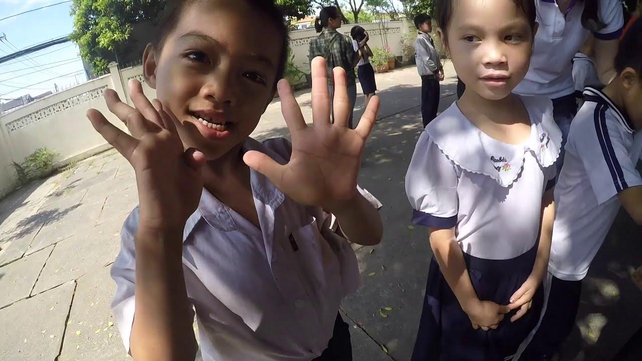 Dạy múa cho các bé trường Tình thương Thanh Tâm Tại Củ Chi của các em hs trường múa tphcm