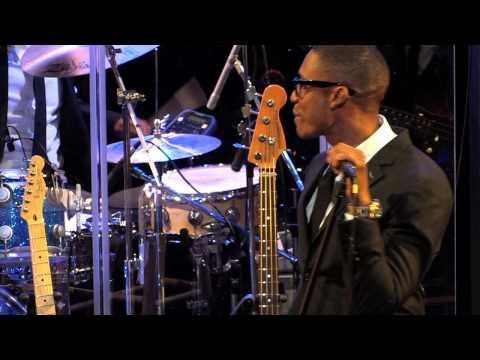 Raphael Saadiq - Love That Girl (Live on KEXP)