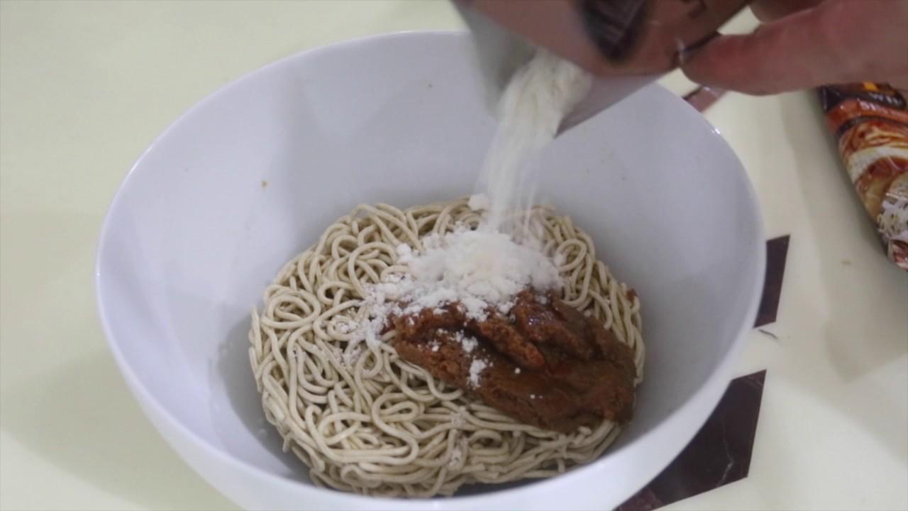 百勝廚叻沙全麥拉麵全球最美味泡麵 - YouTube