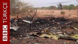 Düşen Cezayir uçağının ilk görüntüleri - BBC TÜRKÇE