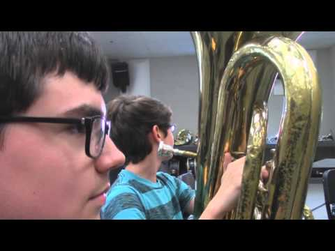 MIDDLE SCHOOL BAND BE LIKE