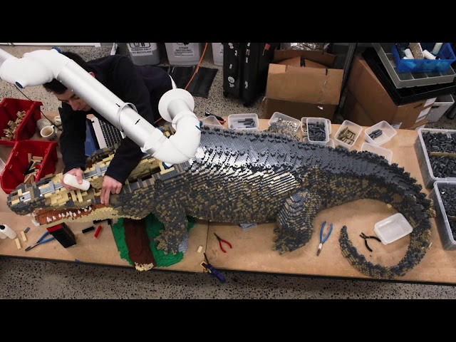 Building AWESOME- LEGO® brick Saltwater Crocodile