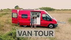 Junges Pärchen baut Ford Transit aus um darin das ganze Jahr zu wohnen - Van Life Room Tour