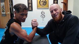 Arm Wrestling Champion - Kung Fu Challenge