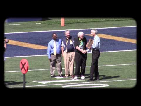 NFL Coach Jim Hanifan Honored at Cal Football with Seaborg Award