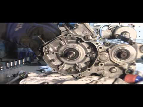 YZ125 Tear Down Part 5: Splitting 2 stroke Engine Case (cases)