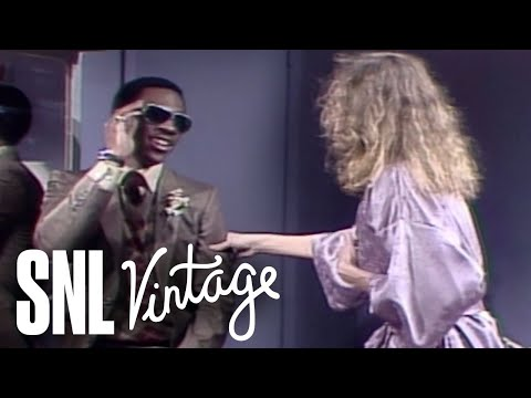 Eddie Murphy Visits Lauren Hutton's Dressing Room - Saturday Night Live