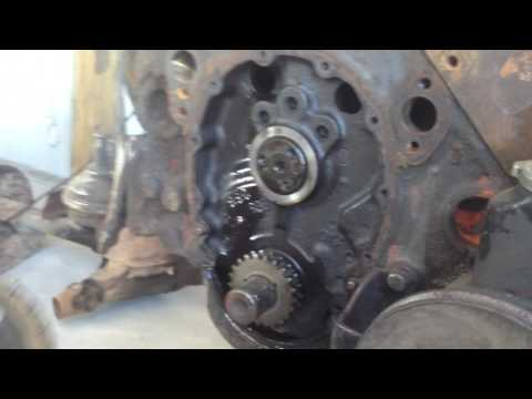 Small Block Chevy – How to Replace a Timing Chain