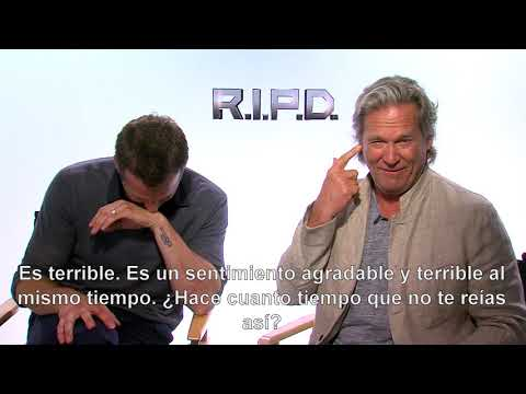 Jeff and Ryan cannot stop laughing. Interview for R.I.P.D.