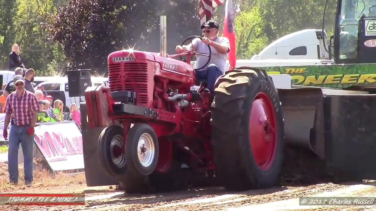 Antique Tractor Pulls! 2017 Kent City Pull WMPullers