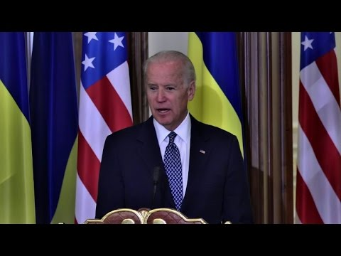 Biden tells Russia to fulfill Ukraine peace deal, return Crimea