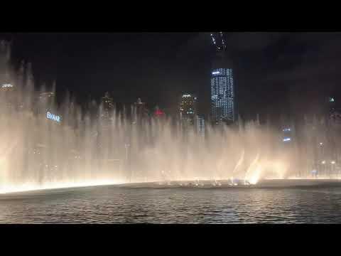 Dubai Fountain/ Michael Jackson-Thriller