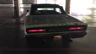 1969 Dodge Coronet RT Six Pack fired up