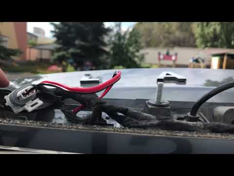 Устанавливаю камеру заднего вида Teyes на Lada Vesta