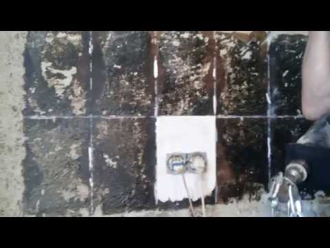Как снять краску, гудрон и шпатлевку со стены