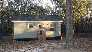A Tiny House With Charming Farmhouse Style