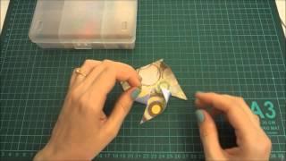 Как сделать декоративную ветряную мельницу из бумаги своими руками / Aida Handmade(Скрапбукинг мастер класс. Как сделать декоративную ветряную мельницу из бумаги своими руками. В этом видео..., 2014-06-19T07:14:11.000Z)
