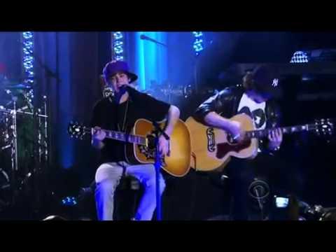 Grammy Concert Justin Bieber 'Favorite Girl'
