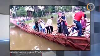 Asyik Selfie Ratusan Warga Tercebur ke Sungai