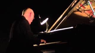 Ludovico Einaudi - Una Mattina (live @ Tempodrom Berlin 2013)