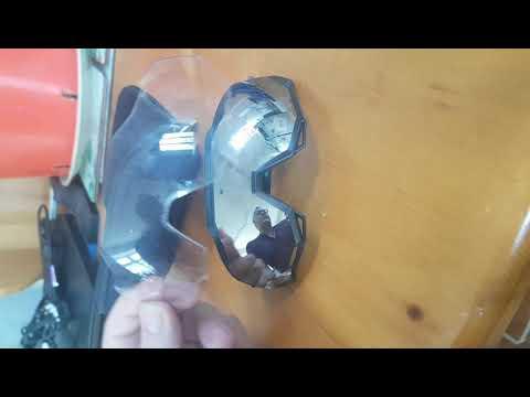 how-to-change-lenses-on-peter-sagan-100%-sunglasses