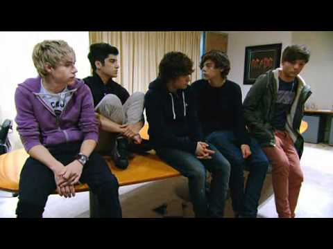 One Direction 4music Interview (12/09/2011)