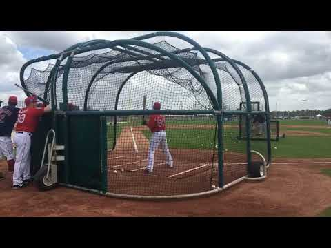 Chad De La Guerra, Boston Red Sox prospect, gets roaring ovation after crushing balls in BP
