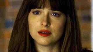 美しいストーカーを説得、本当の狙いは、この私…!?/映画『フィフティ・シェイズ・ダーカー』本編映像 thumbnail