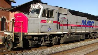 MARC GP40 Train with Old Metra Cars