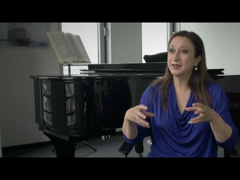 "Simone Young & Philharmoniker Hamburg: Gustav Mahler Symphony No. 2 ""Resurrection"""