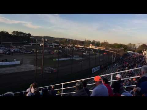 2016 Grandview Speedway Mods at the Mad House