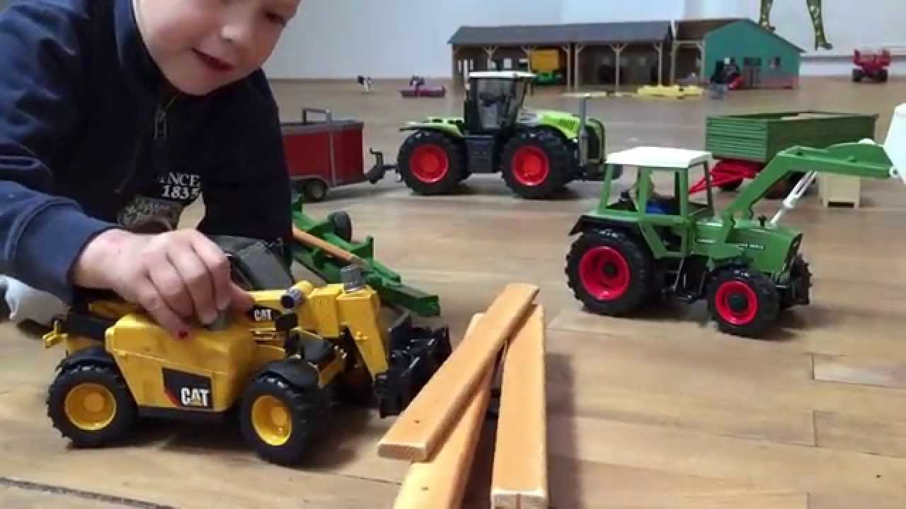 Watch on john deere toy tractors