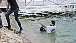 Repeat youtube video انقاذ طفل من الغرق في متنزه الزوراء