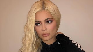 "Kylie Jenner LOVES Being Travis Scott's ""Tour Wife""!"
