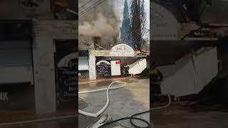 сильный пожар в Адлере на улице Аллейной...