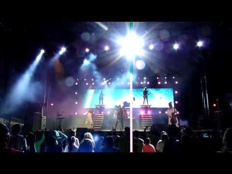 Skillet - Awake & Alive (Live-Beach Blast 5-17-14)
