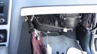 Чистка кондиционера Skoda Octavia A5 1.8 TSI  - часть 2(Самое важное пожалуй и не показал поскольку не удобно было снимать и выполнять работу, но расскажу. После..., 2015-08-08T19:05:23.000Z)