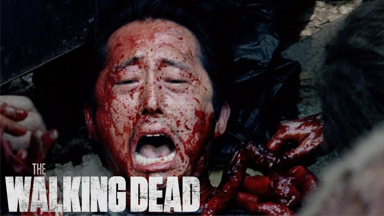 Download Swarmed by Walkers | The Walking Dead Classic Scene