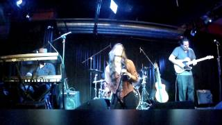 "Laura Cheadle Family Blues Band performs, ""Stormy Monday"""